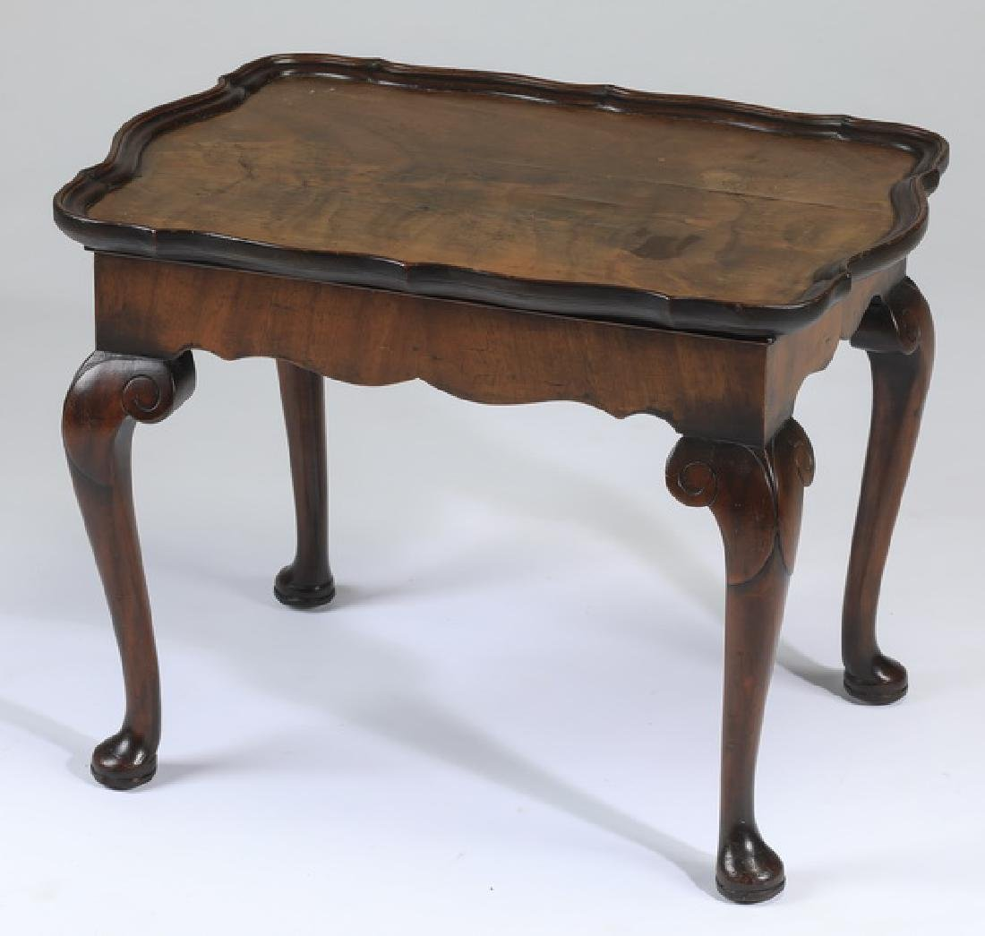 Petite Queen Anne style table w/ removable tray top