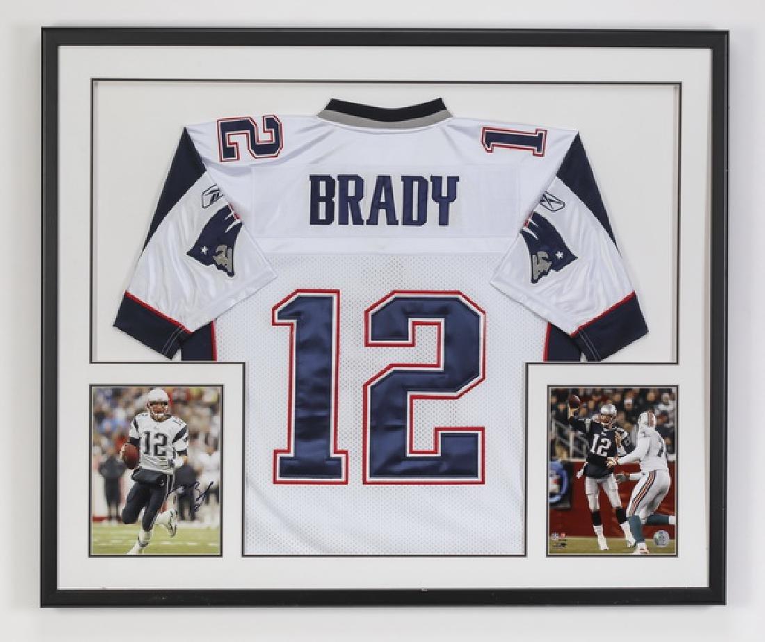 Tom Brady signed photo w/ Patriots jersey