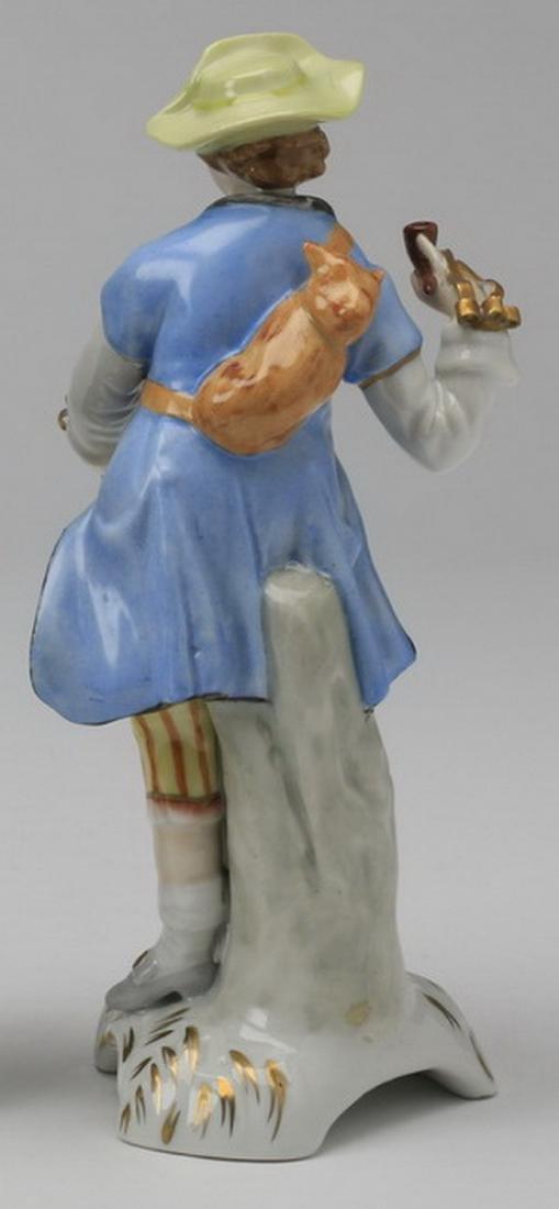 19th c.. Capodimonte figure of a traveler - 4