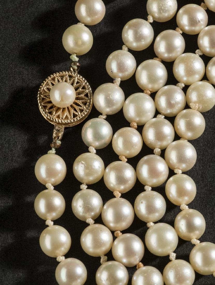 "Strand of Akoya pearls, approx. 70"" long - 2"