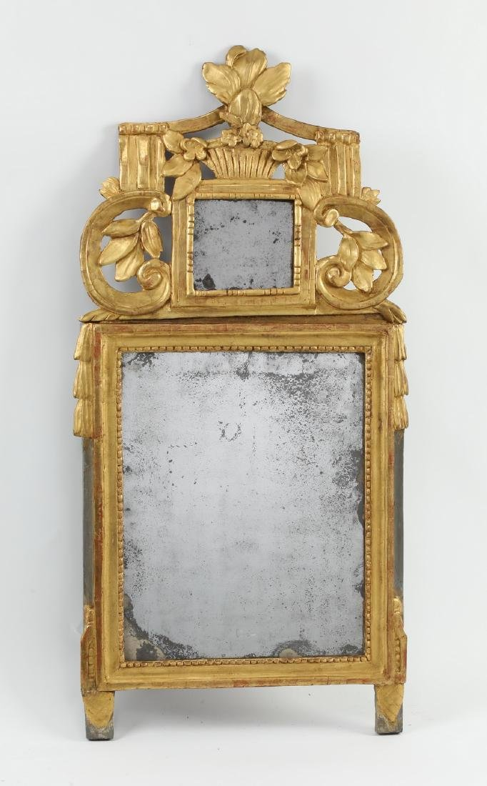 """Carved gilt wood mirror in the Federal taste, 36""""h - 2"""