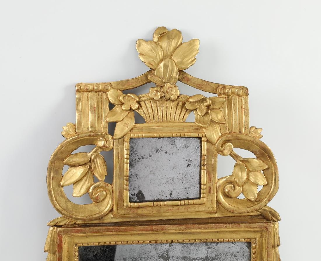 """Carved gilt wood mirror in the Federal taste, 36""""h - 3"""