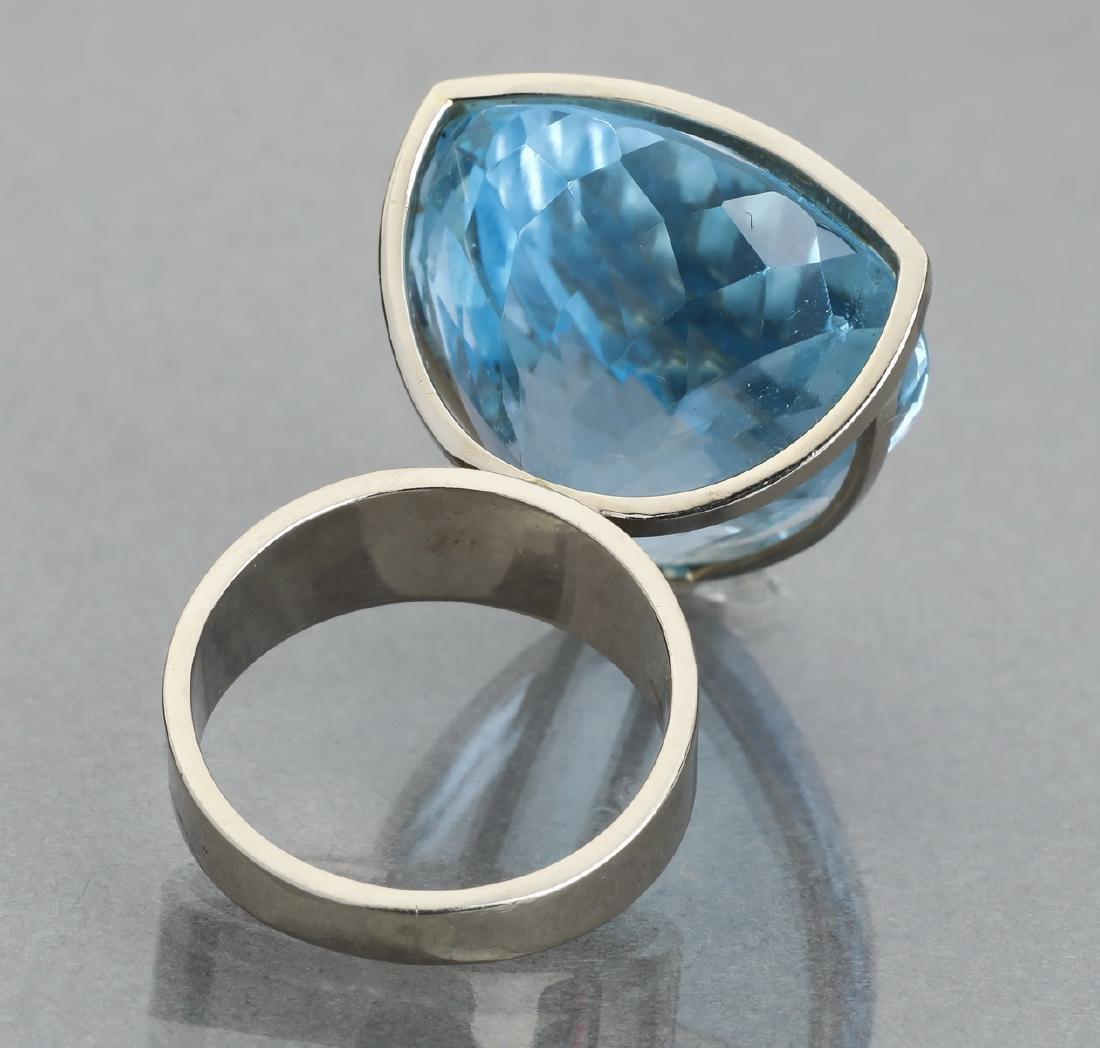 91.15 carat blue topaz and 14k statement ring - 4