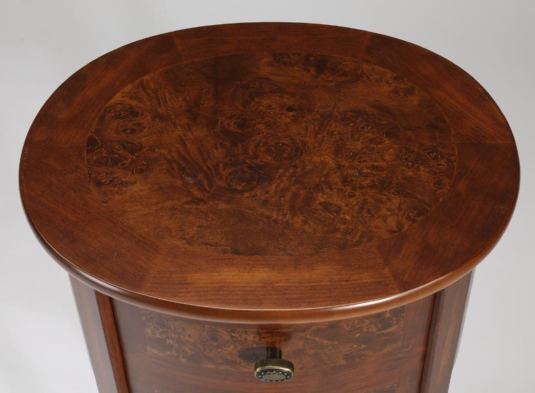 Petite contemporary burl and mahogany side table - 3