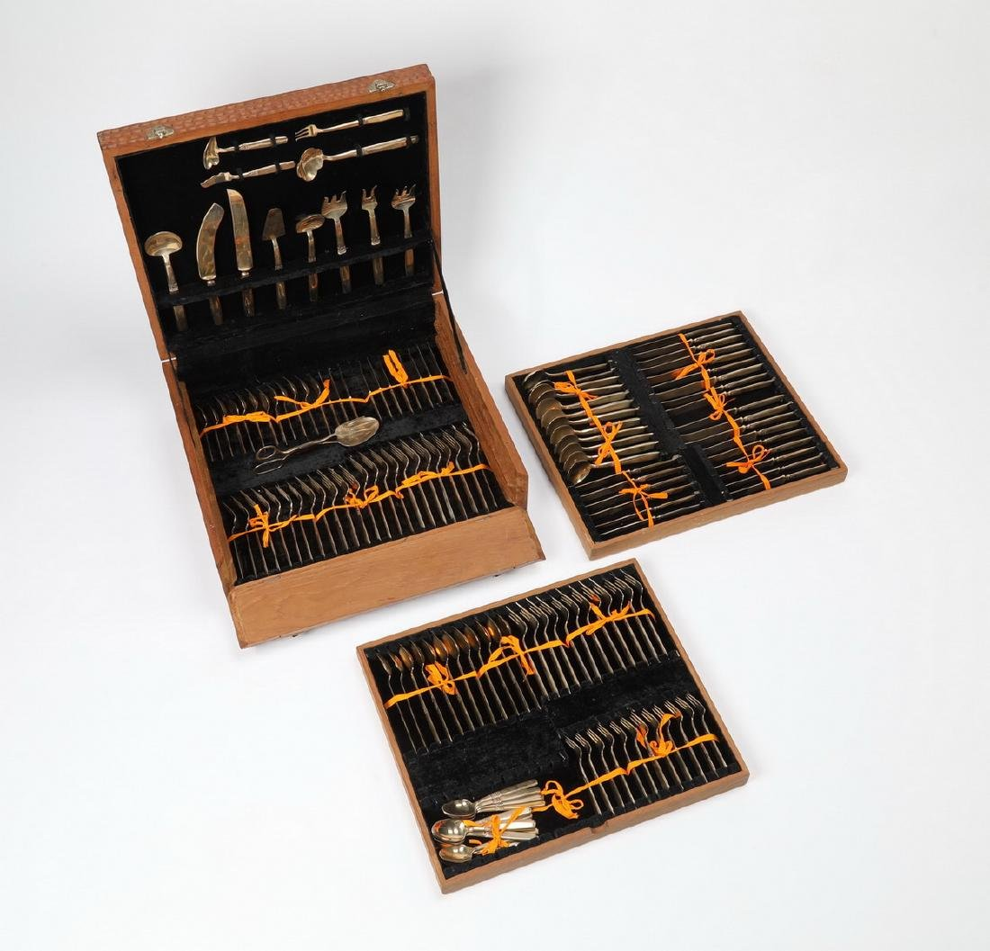 98 Pc. Thai bronze cutlery in elaborately carved case - 4