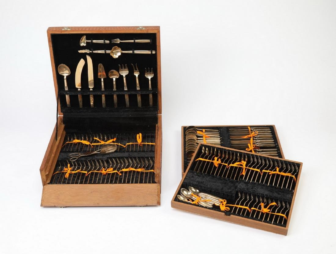98 Pc. Thai bronze cutlery in elaborately carved case - 5
