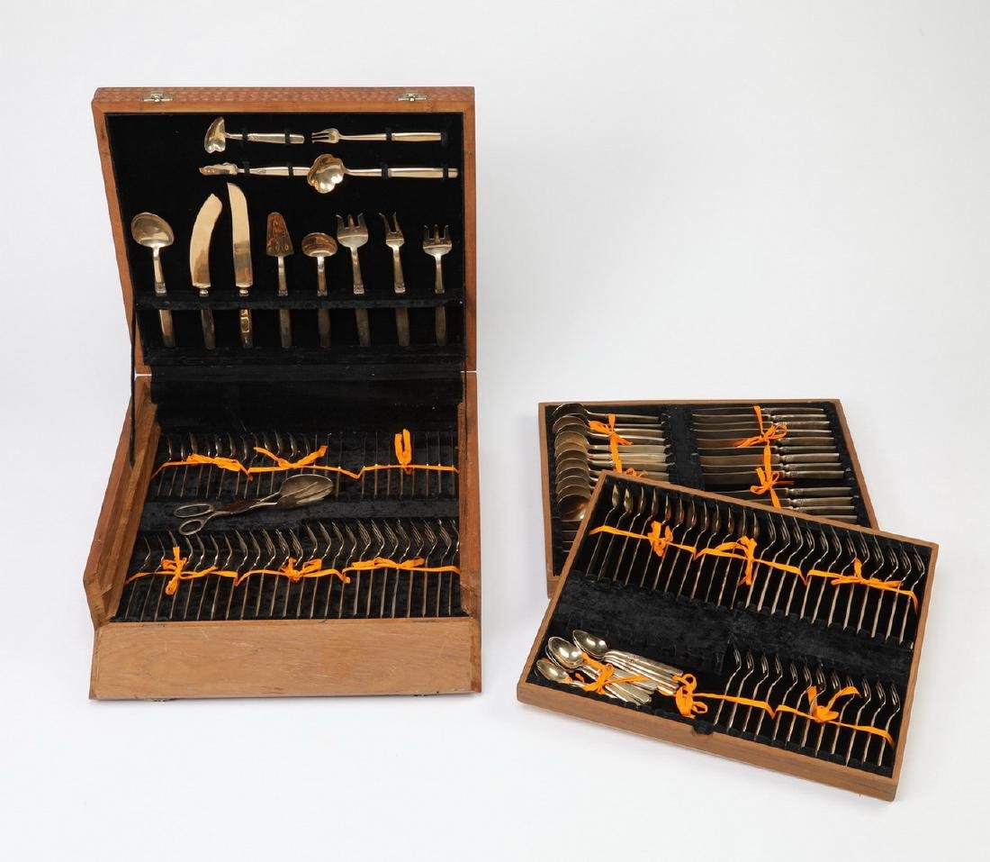 98 Pc. Thai bronze cutlery in elaborately carved case - 6
