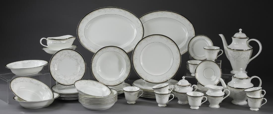 61 pc Waterford porcelain dinner service in 'Brocade'