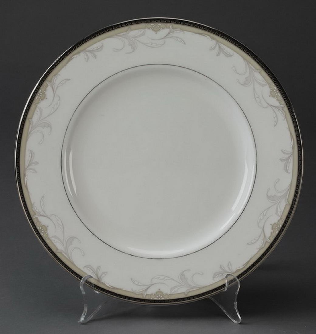 61 pc Waterford porcelain dinner service in 'Brocade' - 3