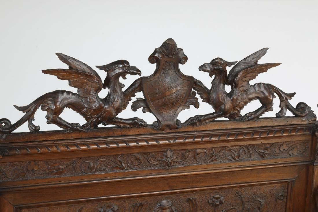 19th c Continental carved walnut hall bench - 3