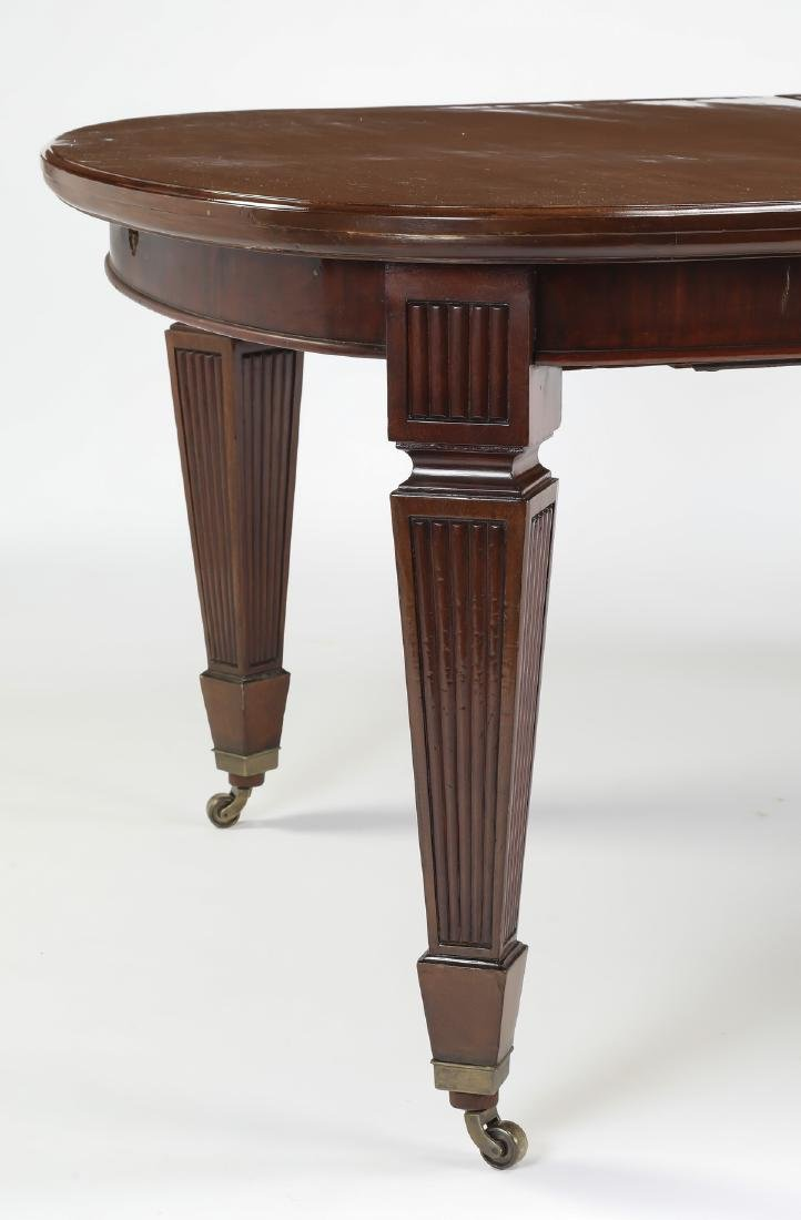 Banquet size 19th c. English mahogany table w/5 leave - 4