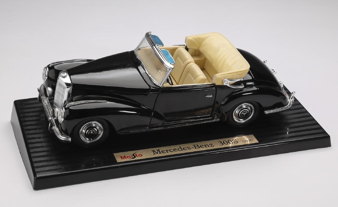 """Maisto 1955 black Mercedes-Benz 300S on stand, 4""""h - 2"""