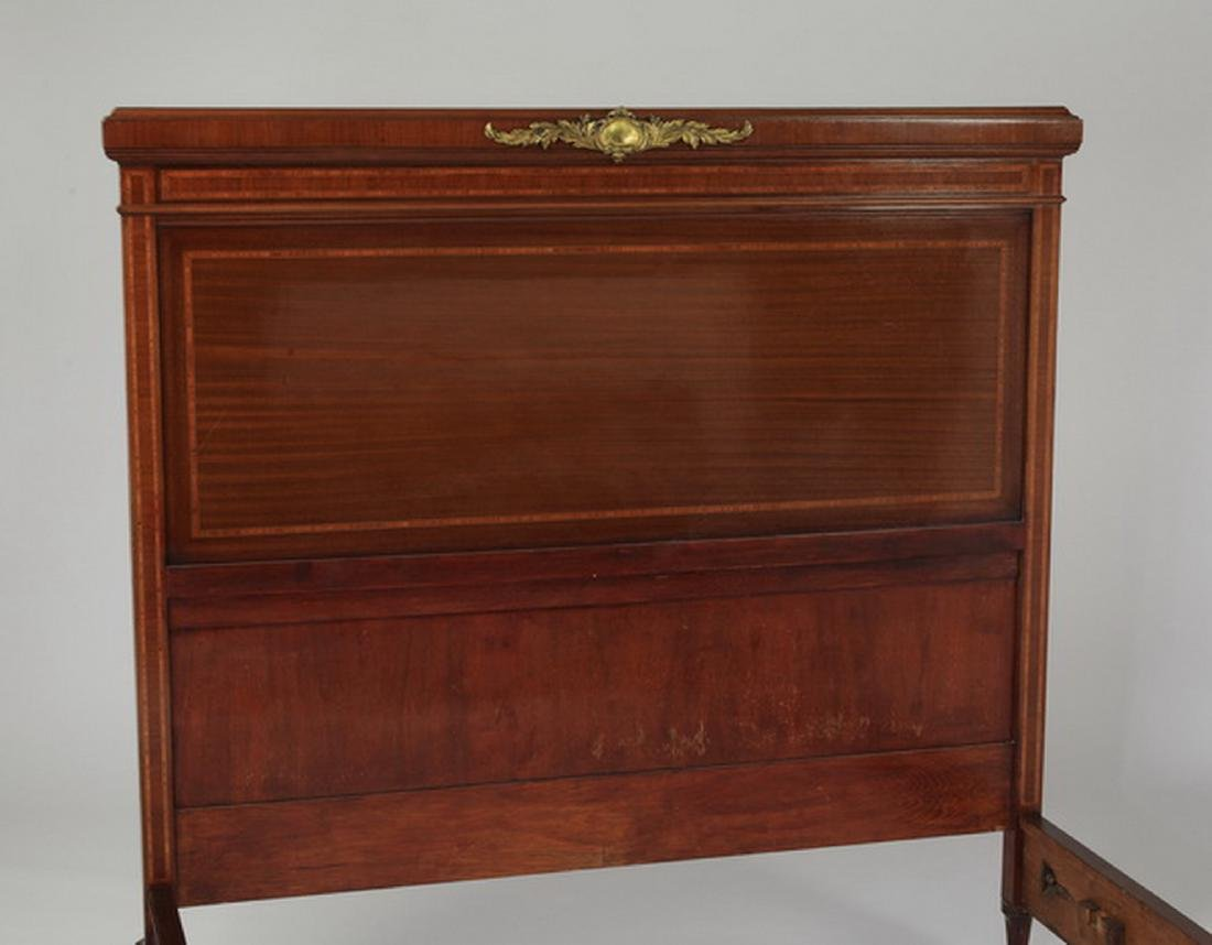 Early 20th c. French walnut bedstead - 2