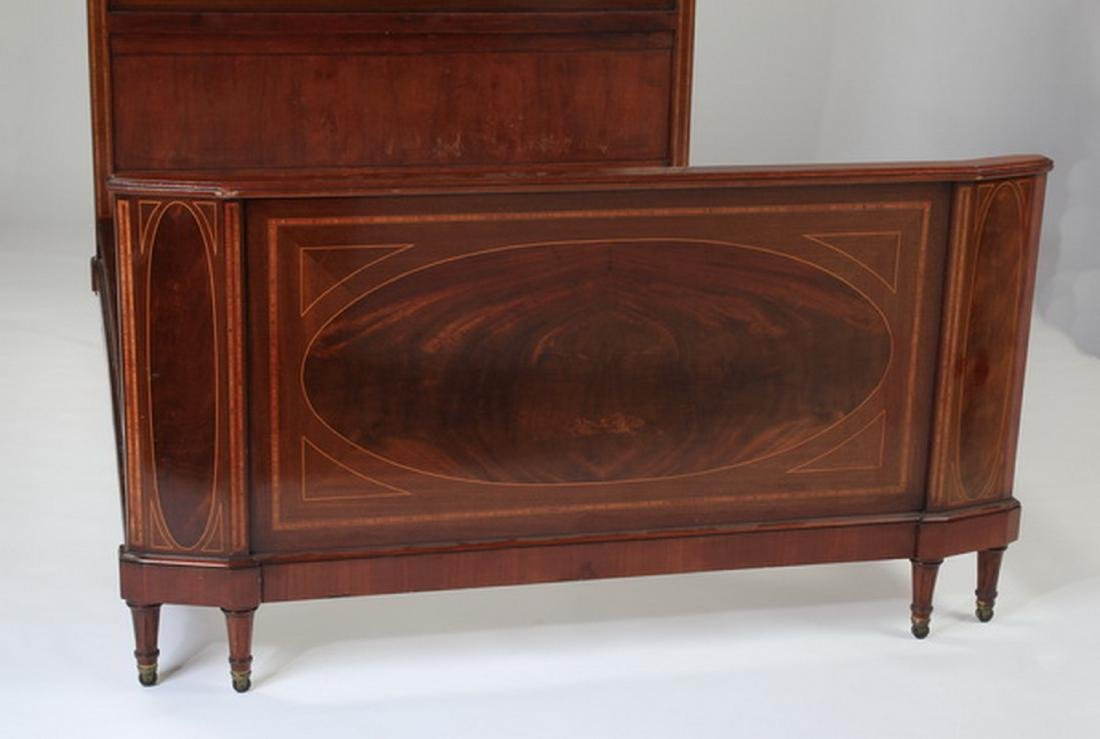 Early 20th c. French walnut bedstead - 3