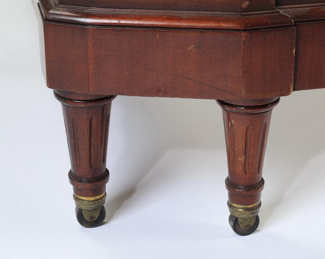 Early 20th c. French walnut bedstead - 5