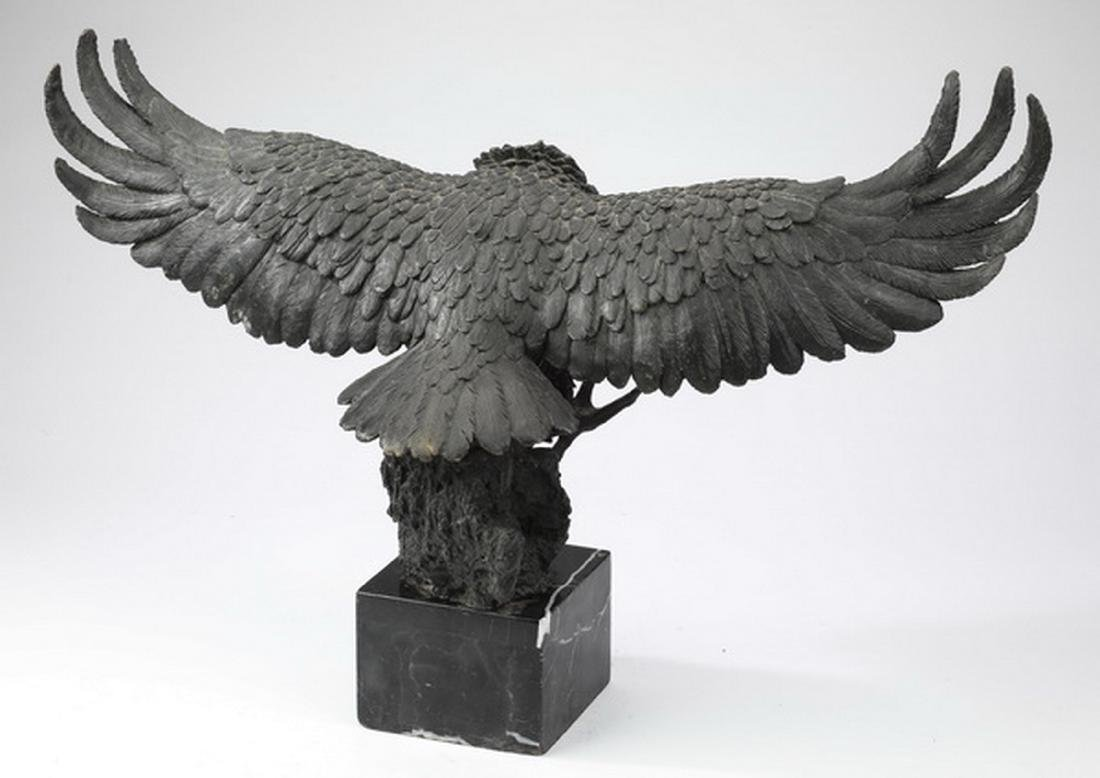 Patinated bronze sculpture of an eagle - 3