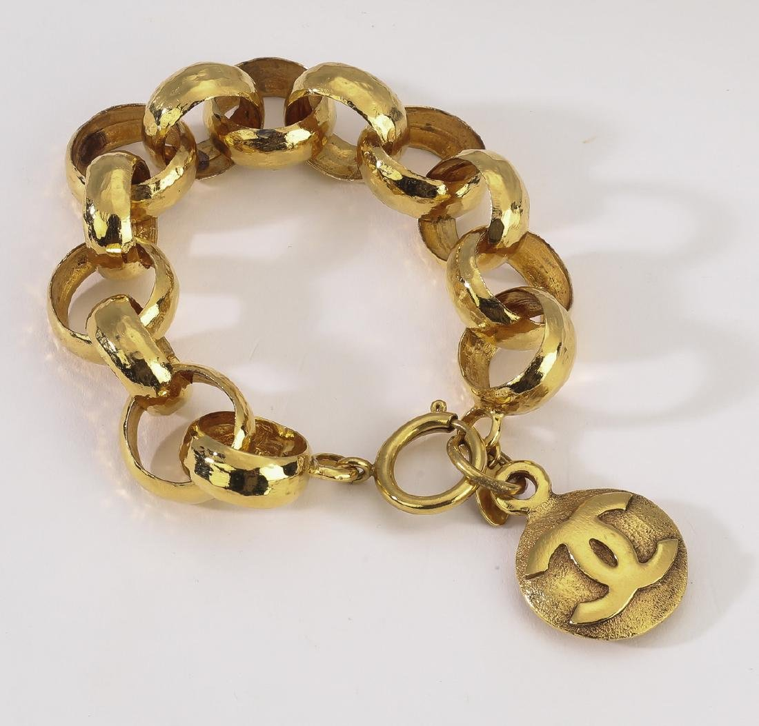 Chanel vintage CC single medallion bracelet