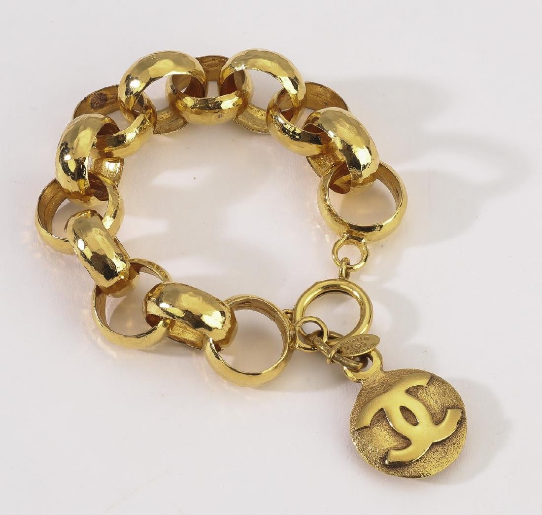 Chanel vintage CC single medallion bracelet - 2
