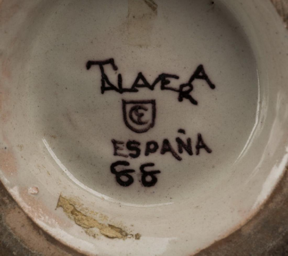 5-Piece grouping of French and Spanish pottery - 3