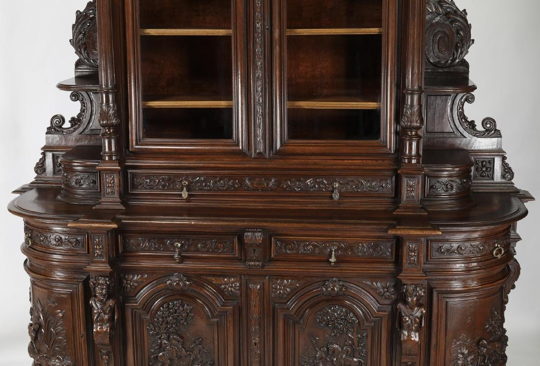 Monumental French buffet with carved hunting scenes - 5