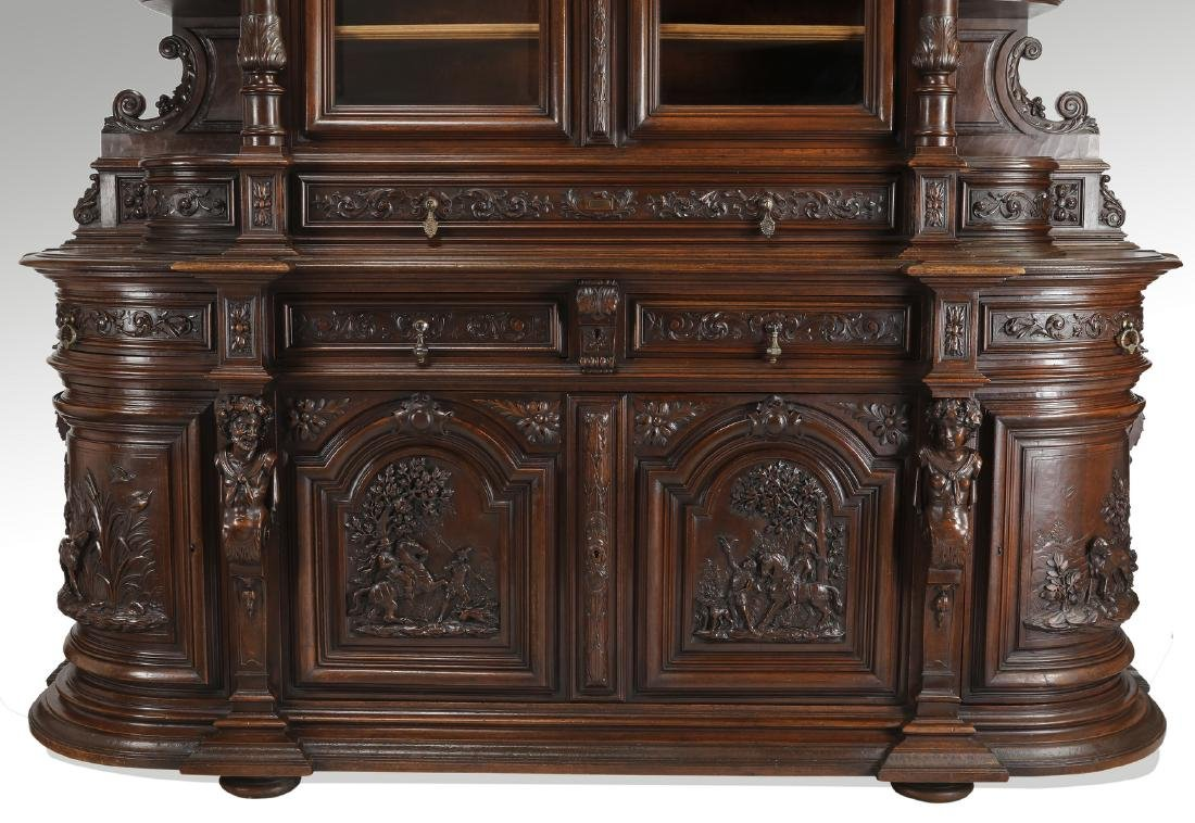 Monumental French buffet with carved hunting scenes - 7