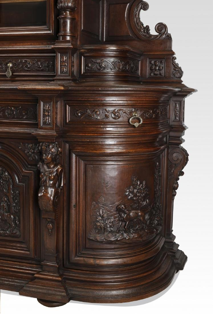 Monumental French buffet with carved hunting scenes - 8
