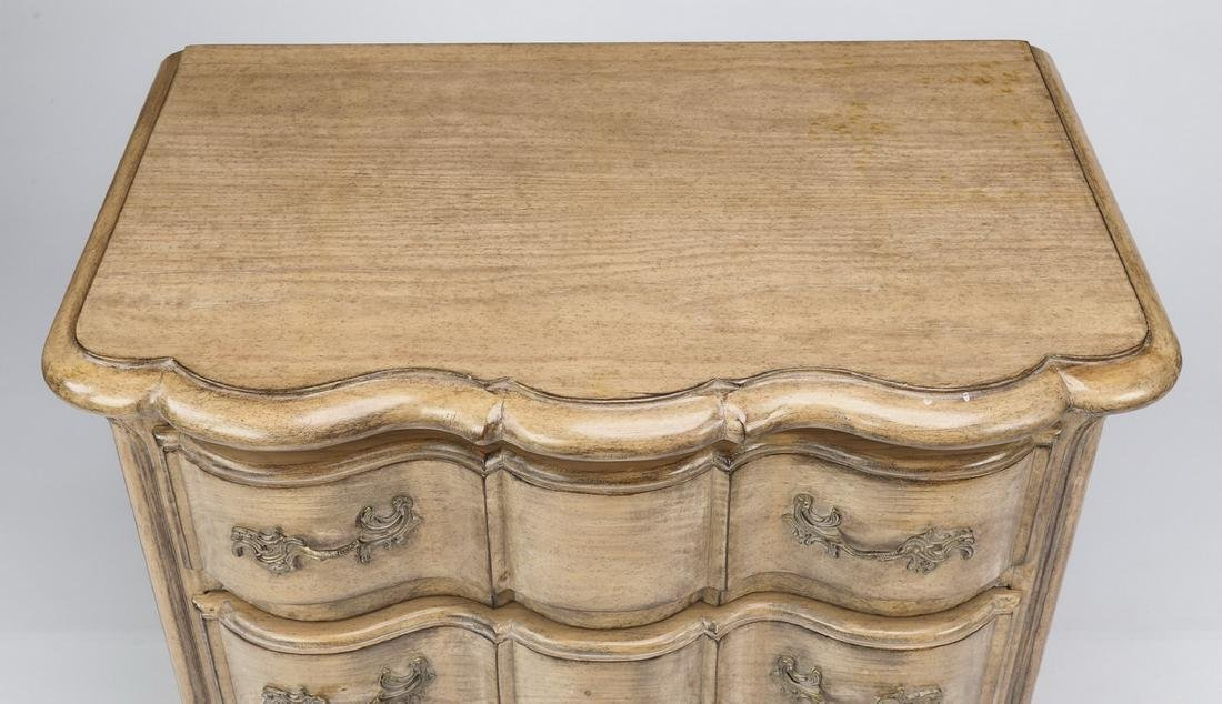 Louis XV style side chest with three drawers - 3