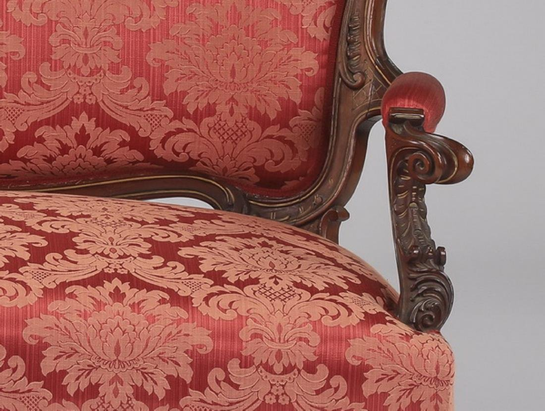 19th c. French Rococo style walnut settee in damask - 3