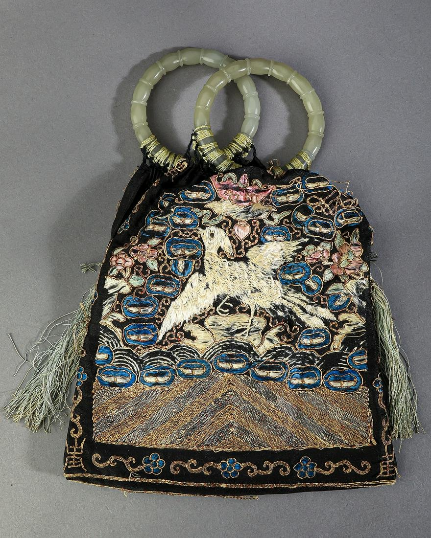 """Chinese jade and embroidered silk reticule, 10.5""""l"""