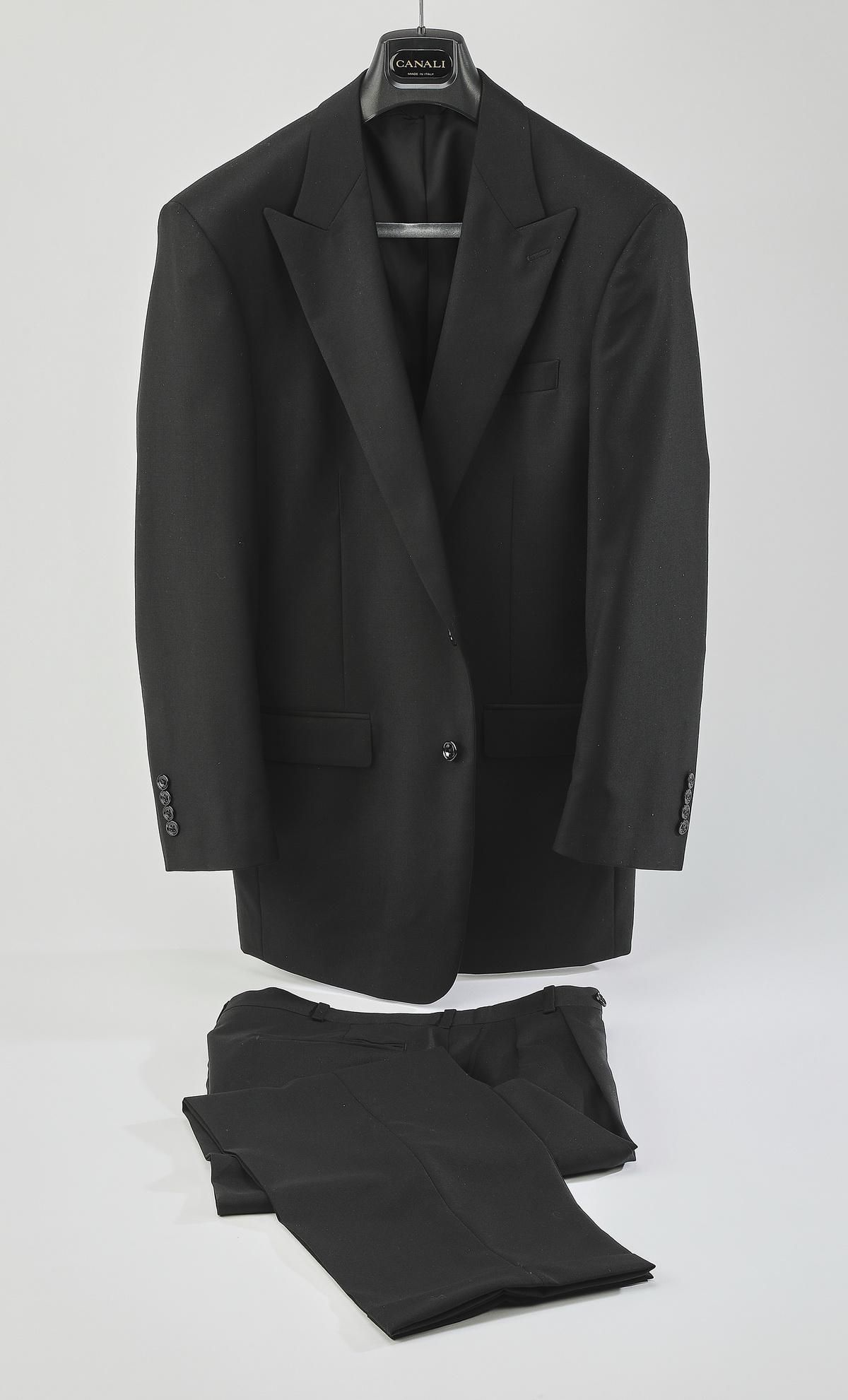 Two piece single breasted Super 150 black wool suit