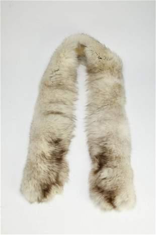"Vintage white fox fur collar, 66""l"
