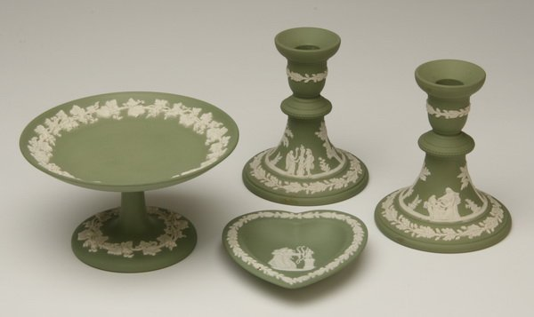 24: Four piece group of Wedgewood Jasperware