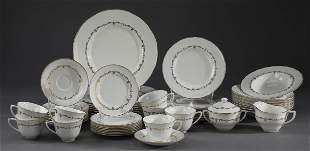 Royal Worcester Gold Chantilly dinnerware for (8)