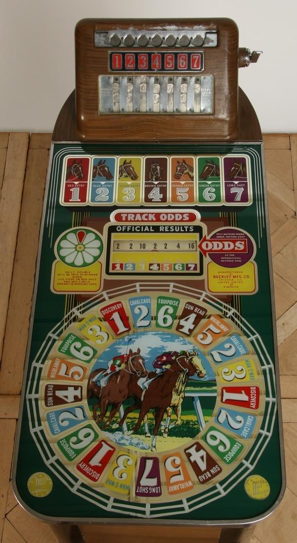 47: Vintage horse racing slot machine by Buckley - 2