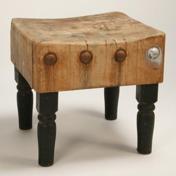 146: Vintage oak butcher block table