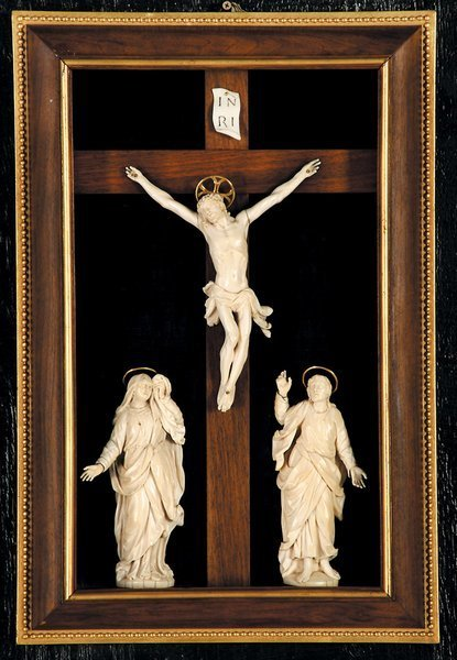 163: 17th c Ivory Carved Crucifix Figures Christ Mary
