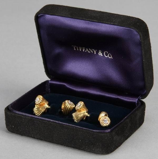19: Tiffany & Co. Schlumberger gold cufflinks