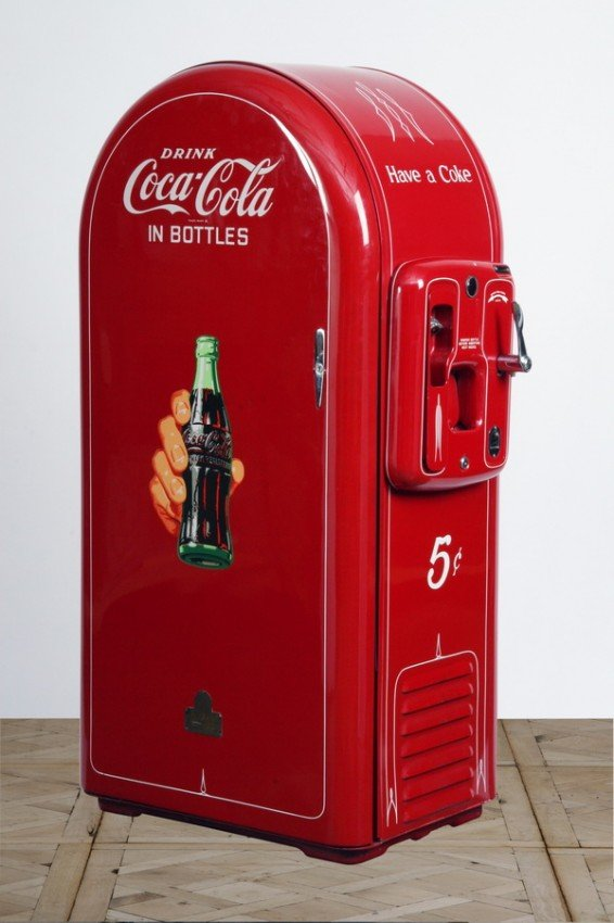 105: Restored Coca-Cola vending machine
