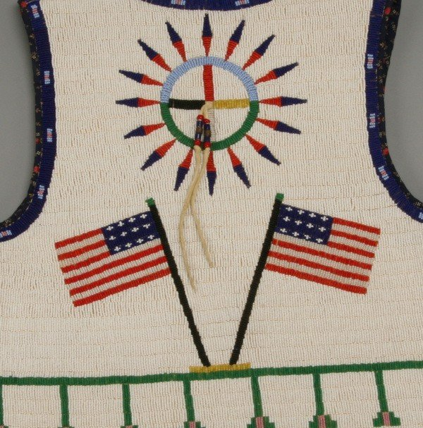 177: Early 20th c. Native American beaded vest - 4