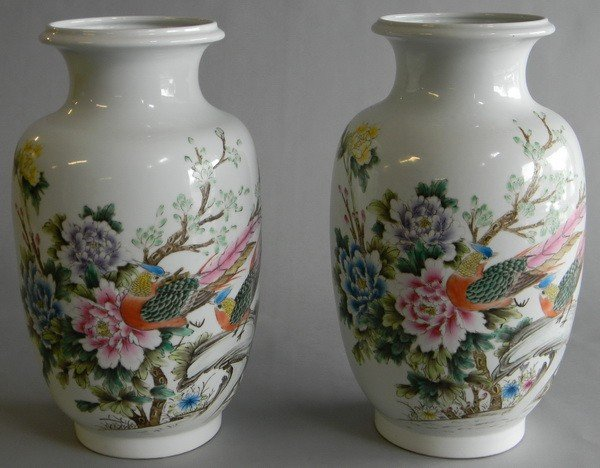 7: Pair of Ching Dynasty Chinese porcelain vases