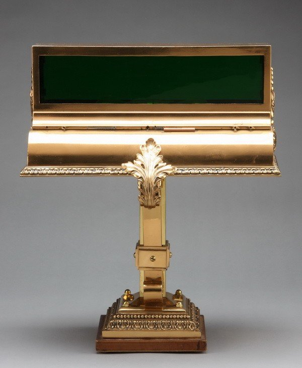 18: Early 20th c. bronze bank lamp