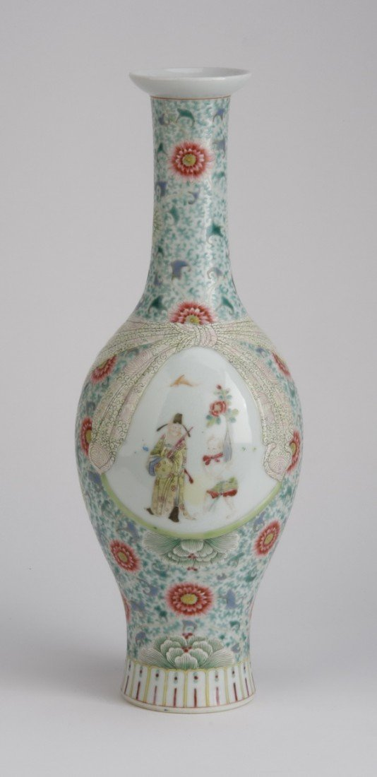 20: Early 20th c. hand decorated Chinese vase
