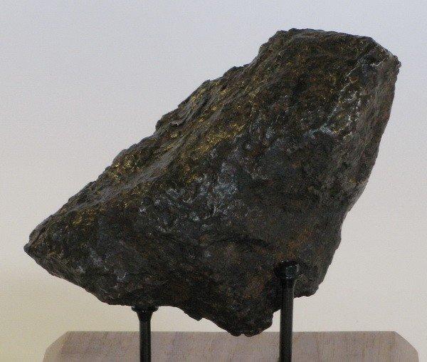 514: Large, rare, Nantan meteorite - 8.70 lbs. - 2