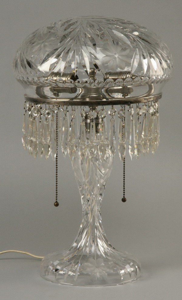 17: Early 20th c. American cut crystal table lamp