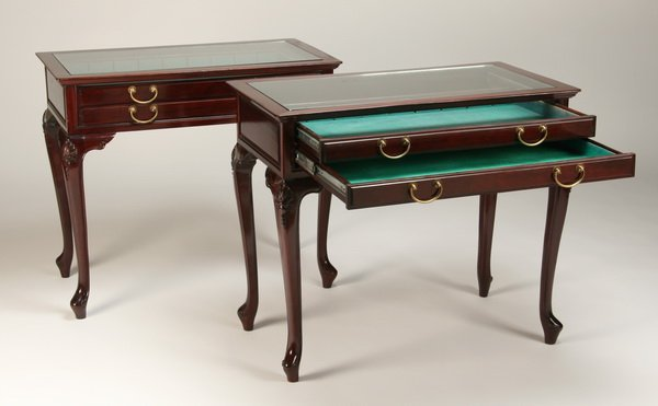 6: Pair of English mahogany display tables