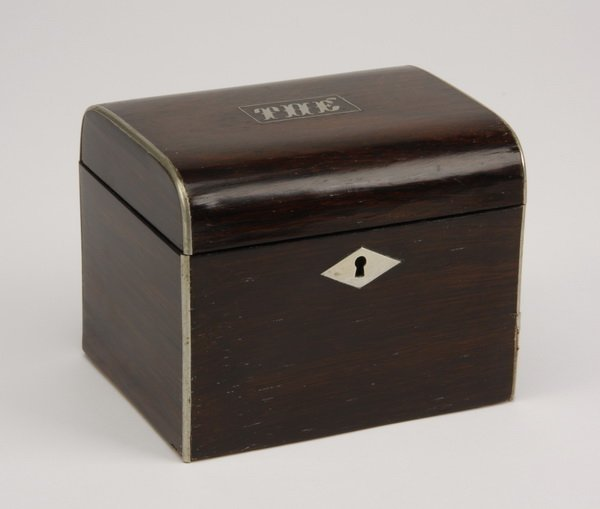 16: 19th c. French rosewood tea caddy