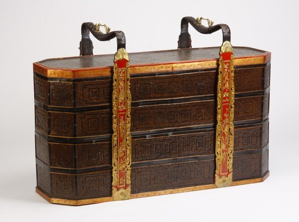 24: Oversized early 20th c.Chinese wedding basket