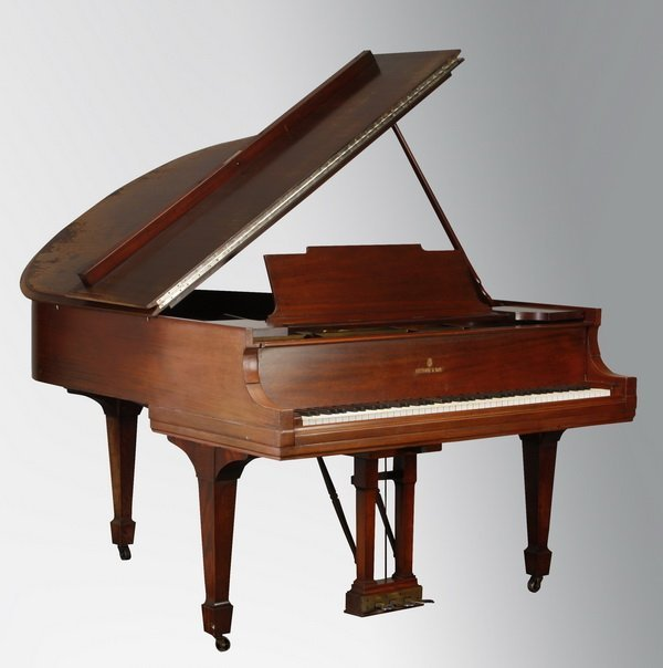 69: Early 20th c. Steinway grand piano