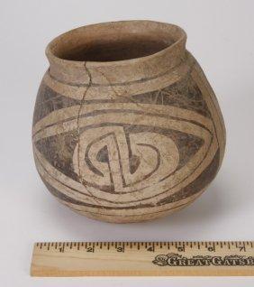1: Casas Grande monochrome pottery vase