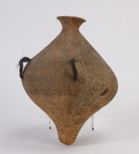 10: Early 20th c. Paiute water basket